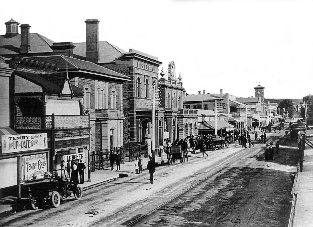 faca town hall & institute 1907 lightened